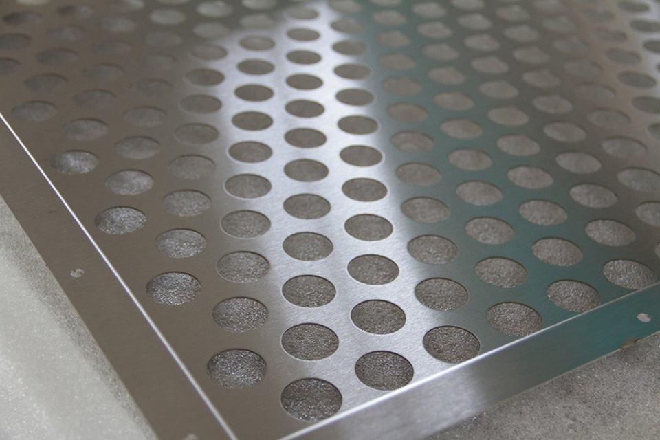 đột dập kim loại CNC